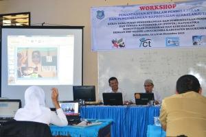 Presentasi Media Pembelajaran oleh peserta workshop